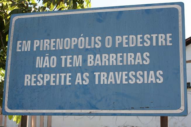 Em Pirenópolis, o pedestre não tem barreiras