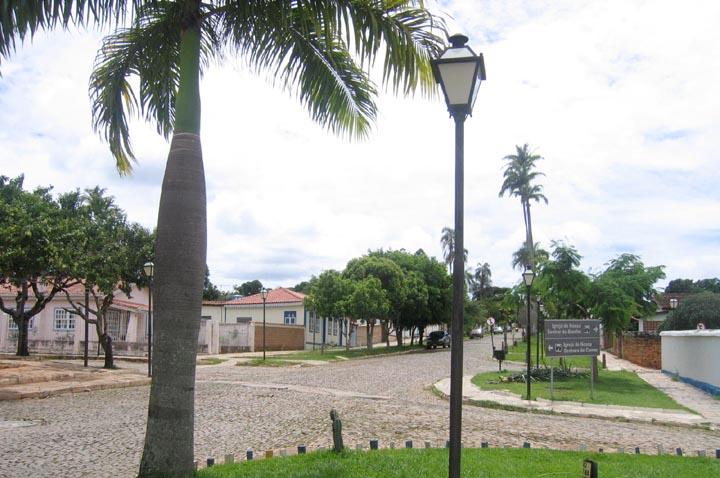 Igreja de N.S. do Rosário dos Pretos e Rua Aurora