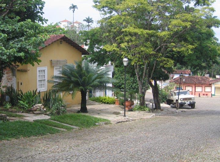 Rua do Bonfim com Ponte de Pedra