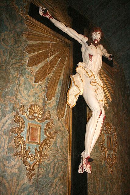 Restaurados impressionantes elementos artísticos do século XVIII na Igreja do Bonfim de Pirenópolis